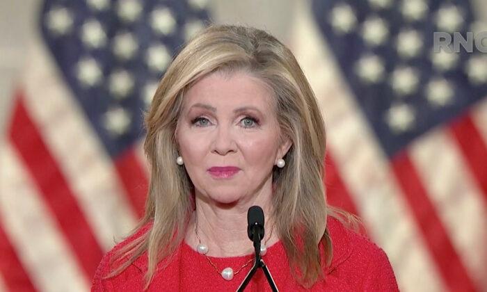 La senadora Marsha Blackburn (R-Tenn.) se dirige a la Convención Nacional Republicana de 2020 en modo virtual el 26 de agosto de 2020. Captura de pantalla de la transmisión en vivo. (Cortesía del Comité de Preparativos para el Comité Nacional Republicano 2020 a través de Getty Images)