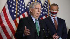 """Demócratas usan """"tácticas de miedo"""" contra la nominación de Barrett, dice líder del Senado de EE.UU."""