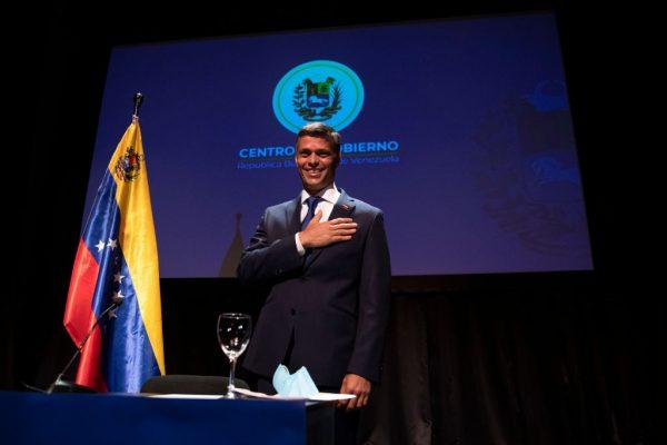 El líder de la oposición venezolana, Leopoldo López, asiste a una conferencia de prensa en el Círculo de Bellas Artes el 27 de octubre de 2020 en Madrid, España. (Foto de Pablo Blazquez Dominguez/Getty Images)