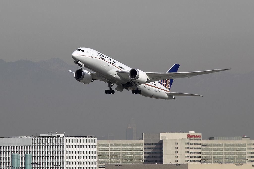 United Airlines ofrecerá test rápidos de covid-19 entre Nueva York y Londres