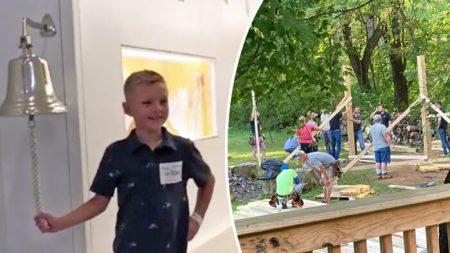 """Niño de nueve años cumple su sueño al """"pedir un deseo"""" después de una larga batalla contra el cáncer"""
