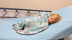 Madre salva la vida de su hijo con un plan de acción por una alergia que desencadenó una paleta