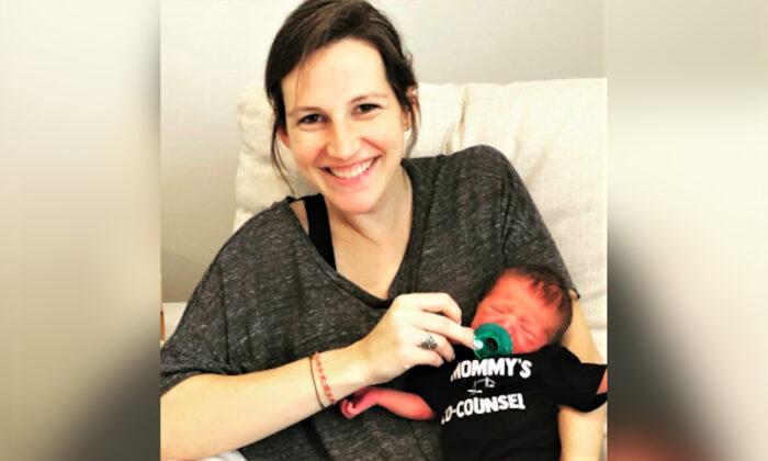 Brianna Hill con su bebé recién nacido, Cassius Phillip. (Cortesía de Brianna Hill)