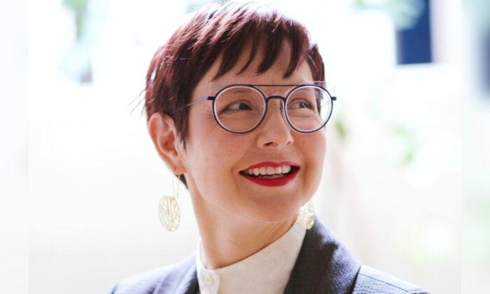 Sarah Iannarone en una fotografía de campaña sin fecha. (Sarah para alcaldesa de Portland)
