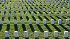 Patriota rinde homenaje a más de 3200 héroes militares en cada lápida del cementerio de Vermont