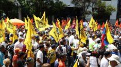 """Opositores venezolanos denuncian """"aumento de represión"""" contra manifestantes"""
