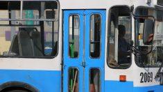 Chofer de autobús se gradúa de la escuela de derecho en Argentina superando todas las expectativas