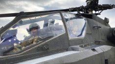 Gemelos se convirtieron en pilotos del ejército y volaron juntos en el mismo helicóptero Apache