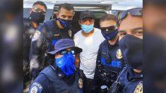 Familia que vive en una minivan recibe ayuda de 5 policías de Las Vegas
