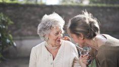 Las muertes por demencia aumentaron durante el verano con COVID