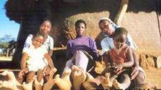 """Vadoma: la misteriosa tribu africana cuyos miembros tienen """"pies de avestruz"""""""