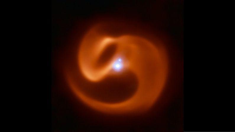 Imagen infrarroja binaria de Wolf-Rayet, llamada Apep, a 8000 años luz de la Tierra. (Cortesía del Observatorio Europeo Austral)