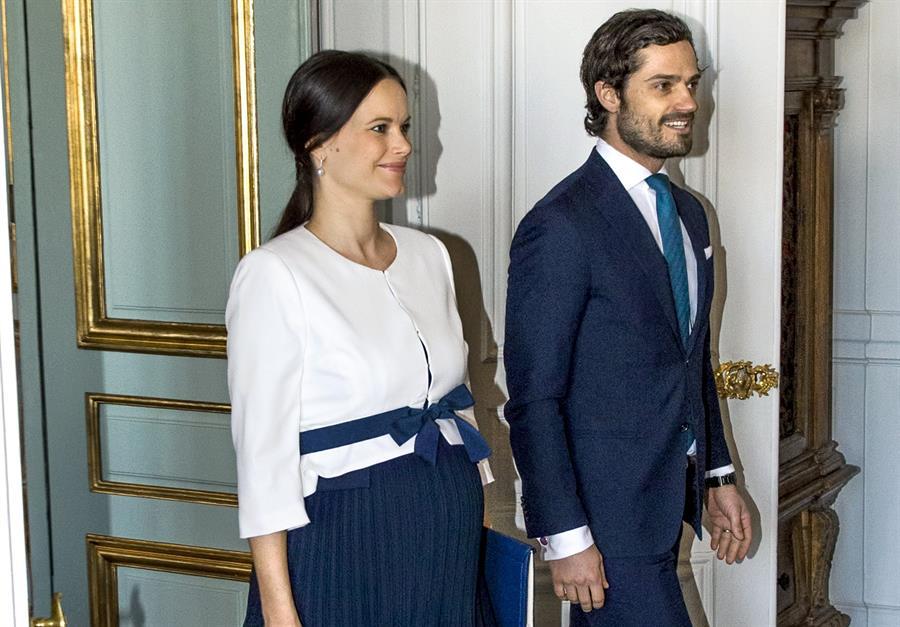 Los príncipes Carlos Felipe y Sofía de Suecia dan positivo por el virus del PCCh