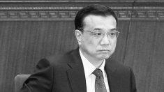 Manifestante enojada recibe al primer ministro chino durante una gira en la provincia de Henan