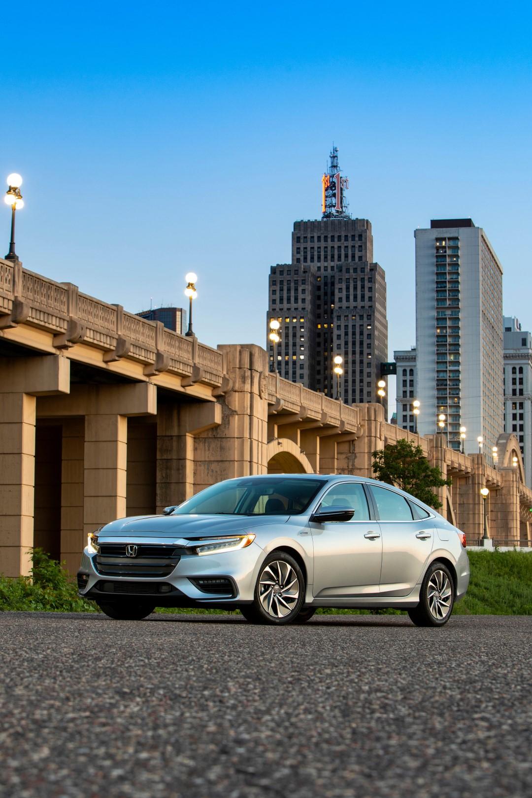 Honda Insight, disimulada apariencia y estupenda eficiencia