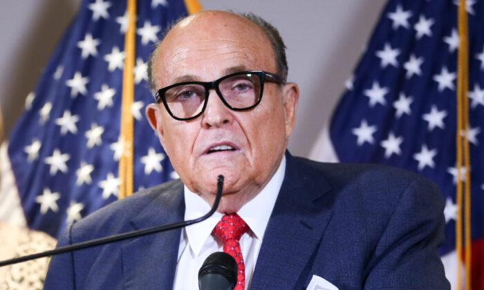 Giuliani dice que hay muchas pruebas de fraude electoral para ser consideradas por la Corte Suprema