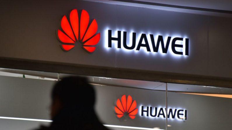Tienda Huawei en Beijing. Imagen de archivo del 10 de diciembre de 2018. (GREG BAKER/AFP a través de Getty Images)