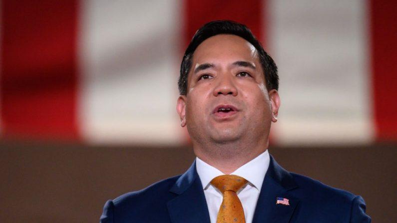 El fiscal general de Utah, Sean Reyes, se dirige a la Convención Nacional Republicana en un discurso pregrabado, en el Auditorio Andrew W. Mellon, en Washington, DC, el 27 de agosto de 2020. (NICHOLAS KAMM/AFP a través de Getty Images).