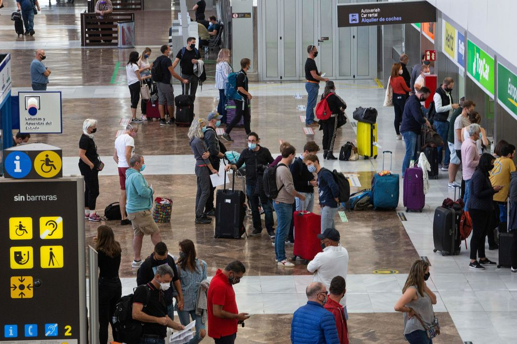 España revisará las pruebas PCR de todos los pasajeros procedentes de Brasil
