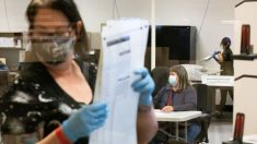 Fiscal general de Arizona investiga las quejas sobre bolígrafos Sharpie usados en las votaciones
