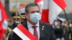Manuel Merino jura como presidente de Perú tras destitución de Vizcarra