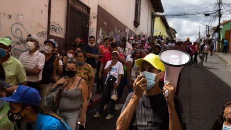 """Exhortan al pueblo venezolano a movilizarse para hacer frente a """"emergencia social"""""""