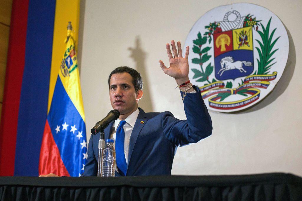 """Guaidó dice que el Parlamento """"seguirá firme"""" hasta que haya """"elecciones libres"""""""