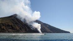"""El volcán Stromboli de Italia entra en erupción de """"alta intensidad"""""""