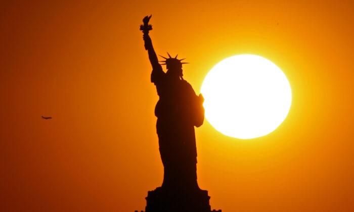 Estatua de la Libertad de la ciudad de Nueva York. Imagen de archivo del 2 de junio de 2017. (Michael Heiman/Getty Images)