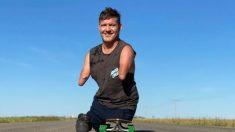 """Hombre sin brazos ni piernas participa en 10 maratones y comparte su inquebrantable lema: """"Si puedo"""""""