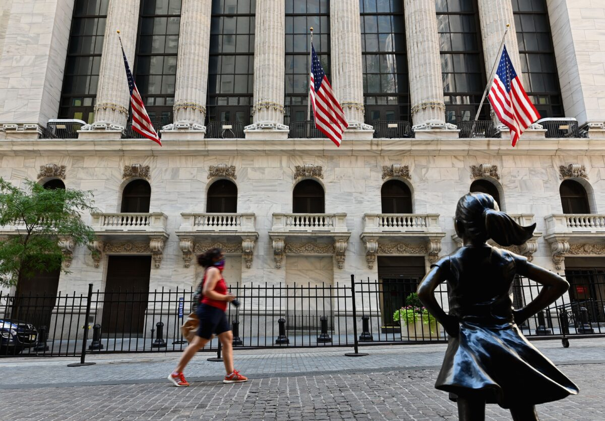 Reguladores pondrán fin a trato preferencial dado a empresas chinas que cotizan en bolsas de EE.UU.