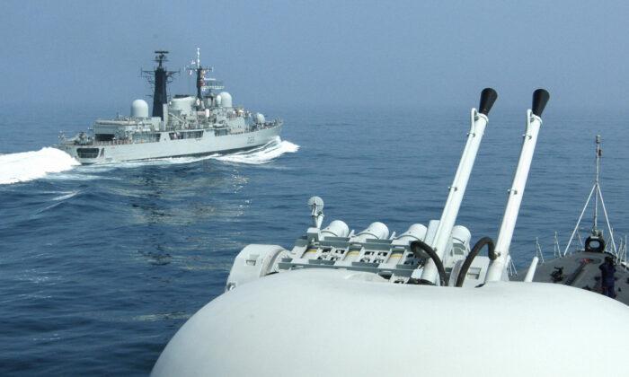 Reino Unido debería desplazarse al Pacífico y ayudar a contrarrestar a China, dice informe