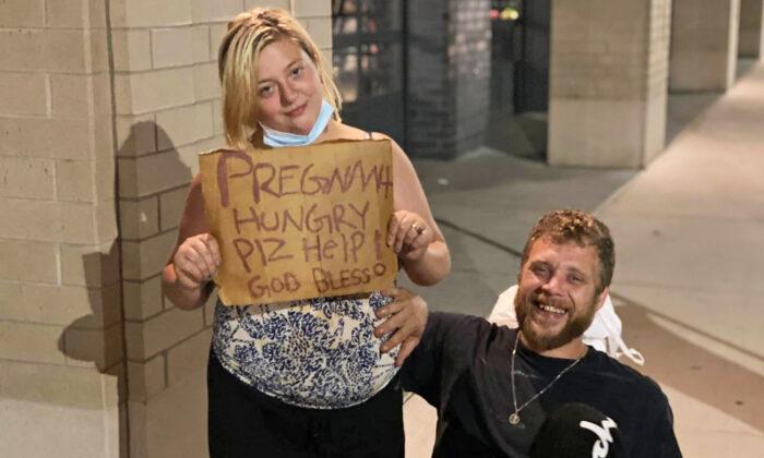 """Mensaje:  """"Embarazada y con hambre. ¡Por favor, ayúdenme! Que Dios lo bendiga"""".(Cortesía de Nathan Berning)"""