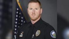 Policía de Georgia realiza maniobra de Heimlich a joven que se estaba asfixiando y le salva la vida