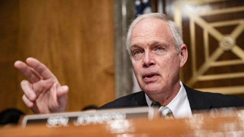 Ron Johnson (R-Wis.) habla al comienzo de una audiencia del Comité de Seguridad Nacional del Senado sobre la respuesta del gobierno al brote del virus del PCCh, en Washington, el 5 de marzo de 2020. (Samuel Corum/Getty Images)