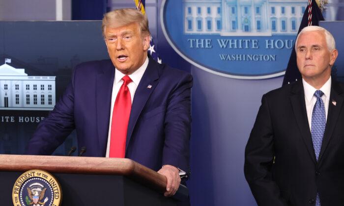 El presidente Donald Trump habla en la Sala de Prensa James Brady de la Casa Blanca el 24 de noviembre de 2020. (Chip Somodevilla/Getty Images)