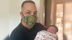 Esposa de sargento retirado da a luz a su hijo en el 245 aniversario de los Marines de EE. UU.