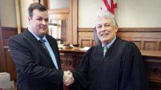 Exdelincuente se proclama como abogado ante el mismo juez que lo condenó por robo de banco hace 20 años