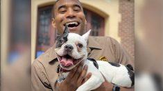 Conductor de UPS se toma selfies con perros a lo largo de su ruta y su Instagram se vuelve viral
