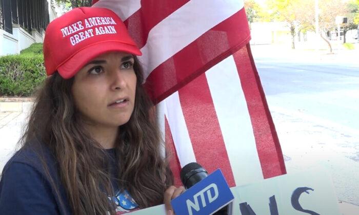 """Laura Lozano Zúñiga asistió a un mitin de """"Stop the Steal"""" en Austin, Texas, el 14 de noviembre de 2020. (NTD Televisión)"""