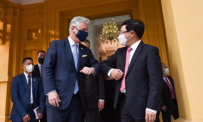 Asesor de EE.UU. insta a Vietnam frenar desvíos de exportaciones de China para evitar aranceles