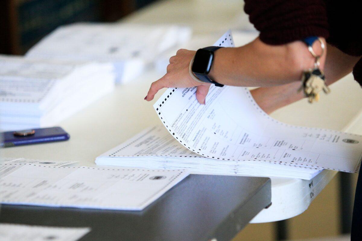 Funcionarios de Pensilvania apelan a orden de jueza que bloquea certificación de resultados electorales