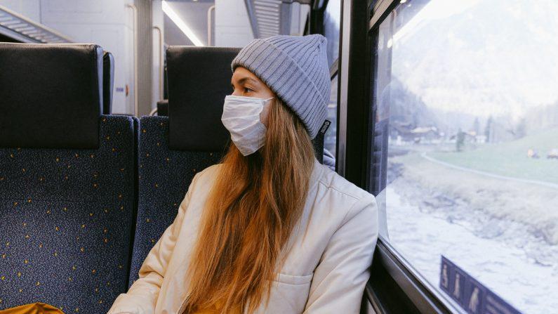 Las mascarillas se han convertido en un tema divisorio porque algunos buscan más seguridad y otros lamentan las consecuencias negativas. Imagen ilustrativa. (Anna_Shvets/Pexels)