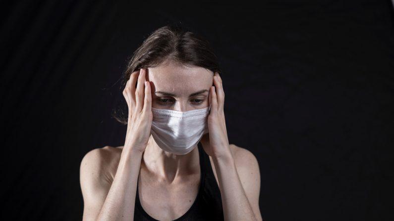 Tan solo ver las noticias puede crear estrés, y este estrés desencadena la inflamación. (Engin_Akyurt/Pexels)