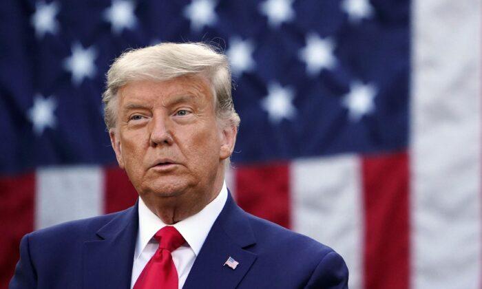 El presidente Donald Trump en la Rosaleda de la Casa Blanca el 13 de noviembre de 2020. (Mandel Ngan/AFP a través de Getty Images)