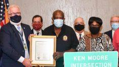 Nombran una concurrida intersección en honor a hombre que salvó a cinco adolescentes en 1977
