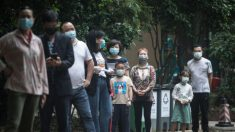 """Condado chino anuncia estado de """"tiempo de guerra"""" sin nuevos casos de COVID-19: ciudadanos desconfían"""
