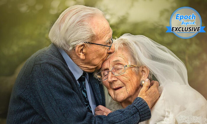 El veterano de la Segunda Guerra Mundial Mel Hughes, de 95 años, y su esposa, Vera, de 90. (Cortesía de Sujata Setia)