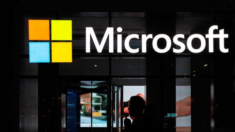 Un letrero de Microsoft se ve el 13 de marzo de 2020 en la ciudad de Nueva York. (Jeenah Moon/Getty Images)