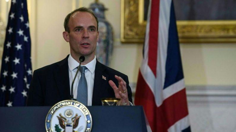 El ministro de Relaciones Exteriores británico, Dominic Raab, habla en una conferencia de prensa en el Departamento de Estado en Washington, D.C, el 16 de septiembre de 2020. (Nicholas Kamm/POOL/AFP a través de Getty Images)